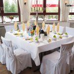 Crossback Stuhl – Das vielseitige Möbelstück zur Hochzeit